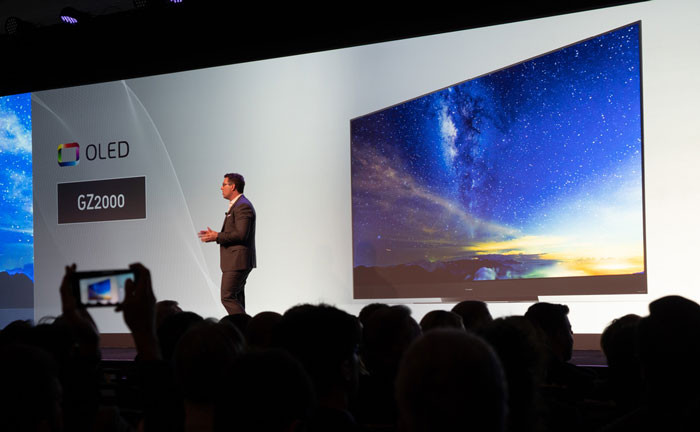 Panasonic OLED | news mediaworld.it