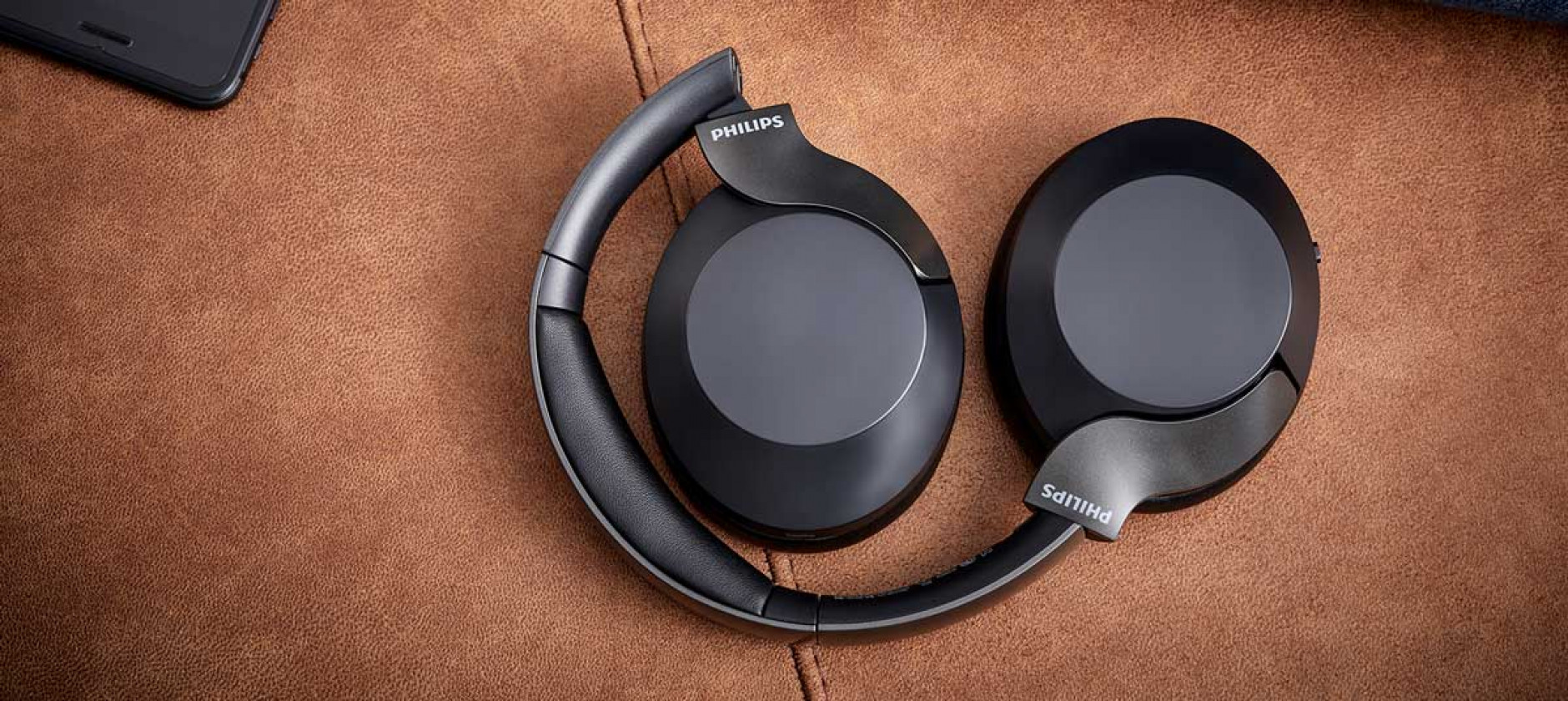 Le cuffie Philips PH805 cancellano il rumore e promettono audio di qualità senza fili